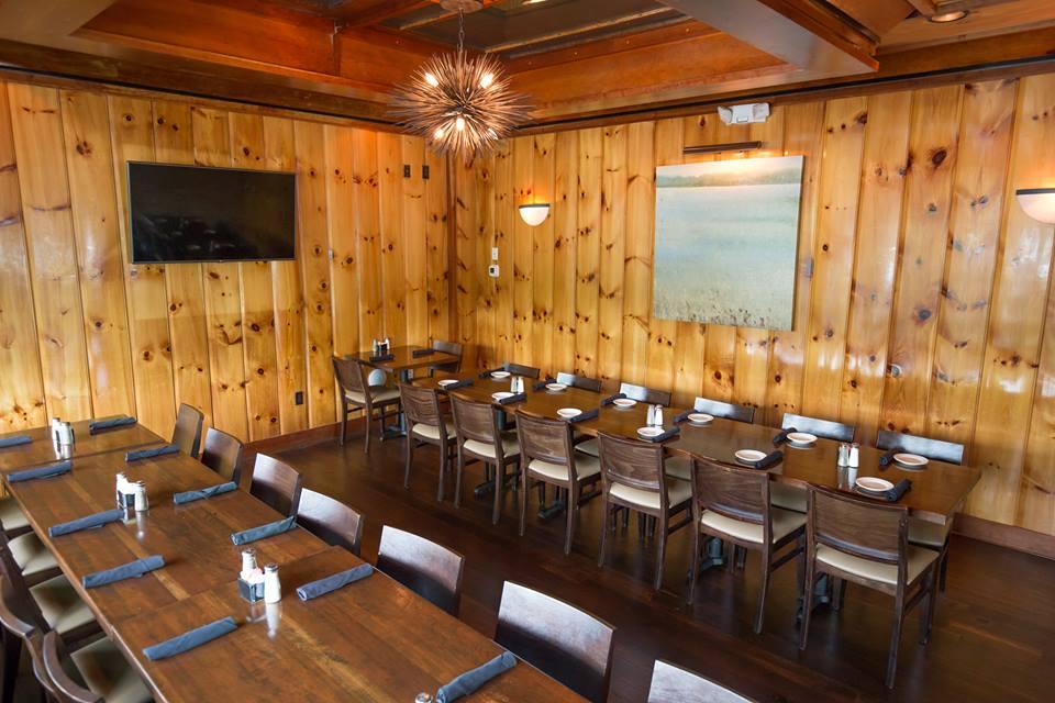 Henry's Restaurant Pine Room